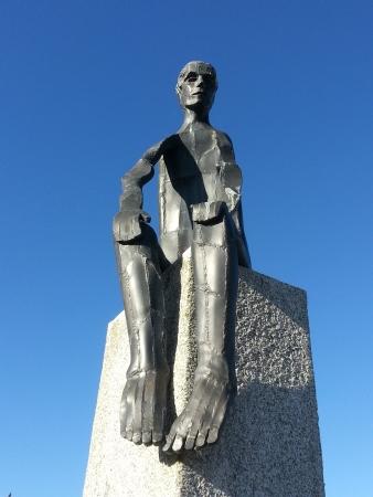 sculpture-roger-joncourt-pays-leonard-haut-leon-saint-pol-de-leon-nord-finistere-bretagne-france