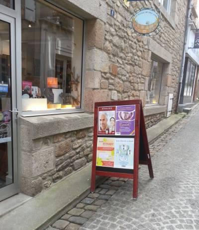 Ancienne vitrine du Panier du Bien-être, rue Saint-Yves