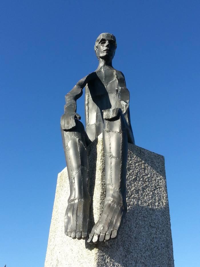 Sculpture du Penseur à St-Pol-de-Léon